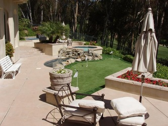 Synthetic lawn putting green in Santa Clarita